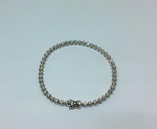 鑽石手鍊(已售出) 1