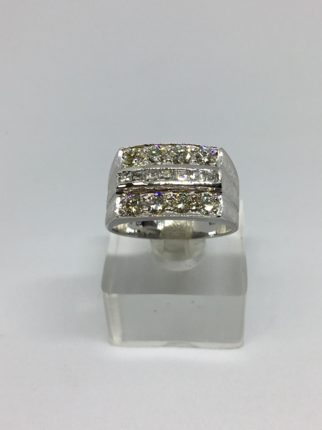15分*8顆 天然鑽石戒指 1