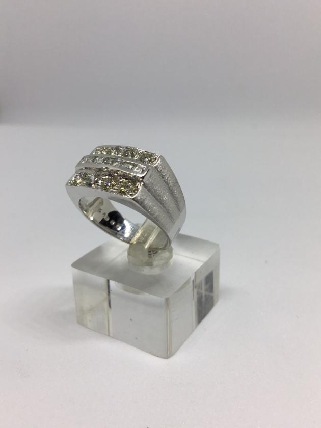 15分*8顆 天然鑽石戒指 3