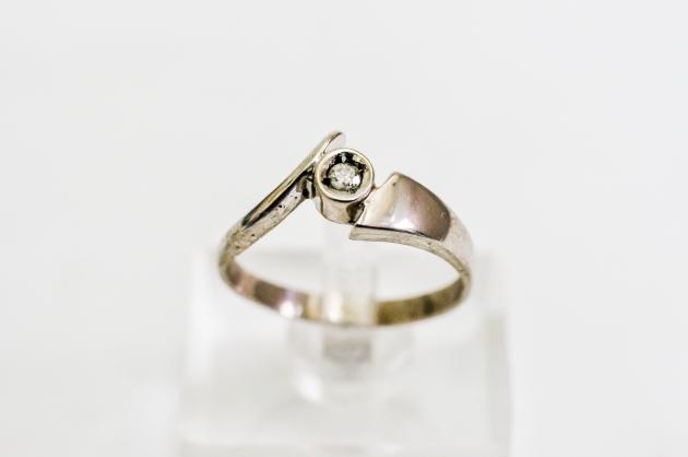 10分 鑽石戒指 1