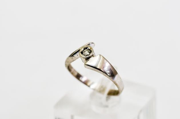10分 鑽石戒指 2