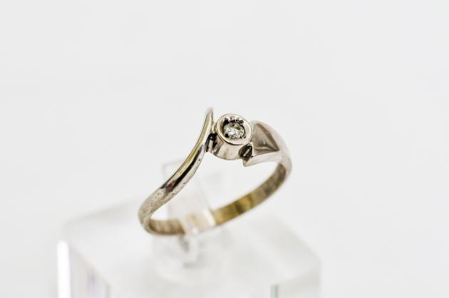 10分 鑽石戒指 3