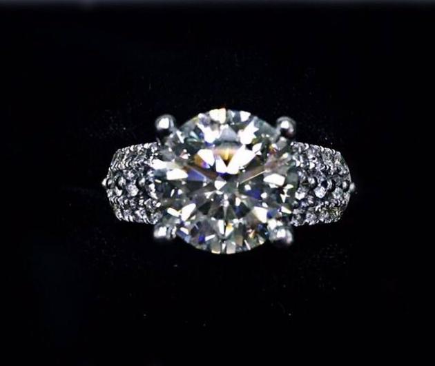 5.02克拉 天然鑽石戒指(已售出) 1